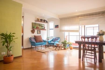 Confortable y agradable habitación - Lakás