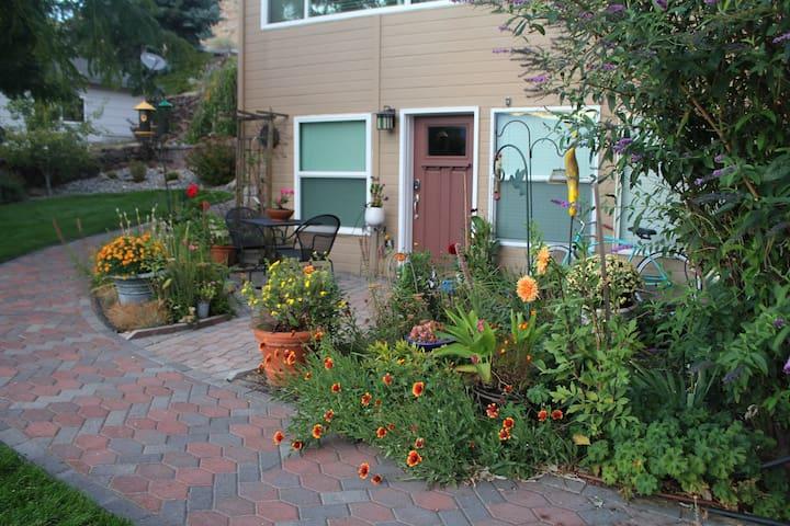 Peaceful Garden Getaway