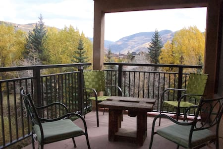 Vail Lodge Chic, 3BR/BA, Amazing Location, Views. - 维尔 - 公寓