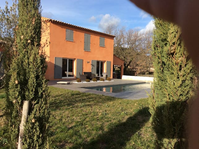 Villa contemporaine avec piscine - Meyreuil - Dom