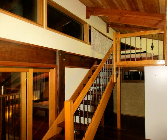 Main bedroom loft, above robe
