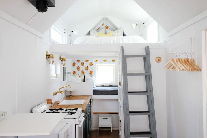 Modern & Bright Tiny House