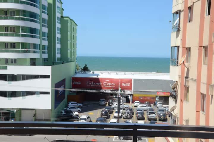 Apartamento em Meia Praia com vista para o Mar