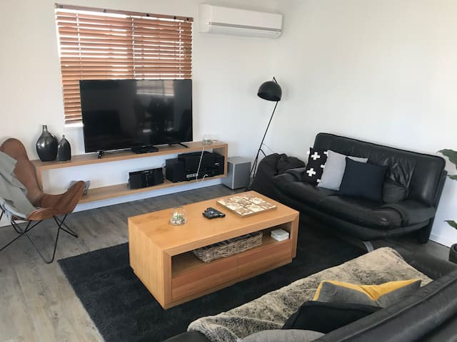 Coolum Beachview 1 Bedroom Apartment