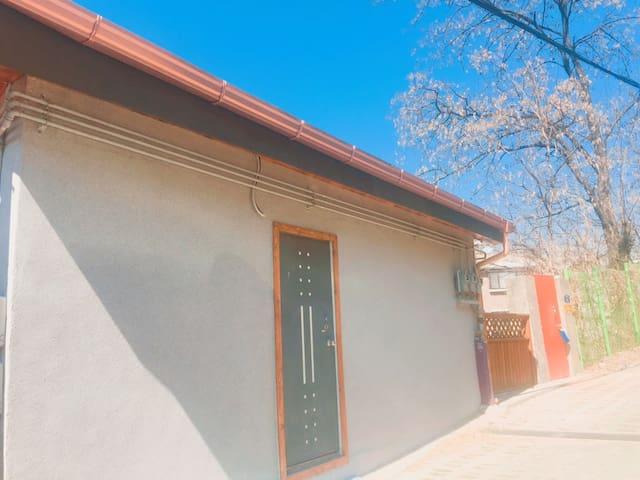 *Newly-built modern House* - Dongjak-gu