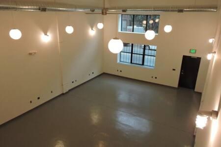 Loft Life Venue in Jersey with Manhattan Feel - Newark - Loft
