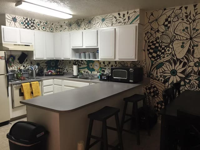 Colorful Apt. in Holladay/Millcreek - Millcreek - Appartement