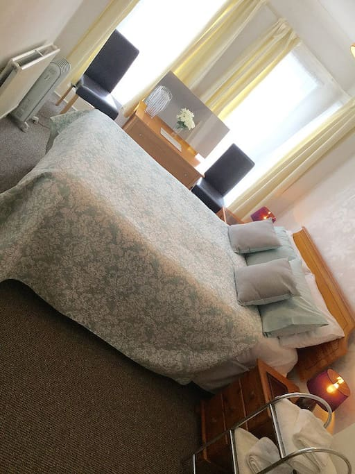 Room 8 Double room with private shower/toilet.  Flat screen TV.  Tea & coffee facilities Safe Bright airy room on the front of house overlooking Victoria Park
