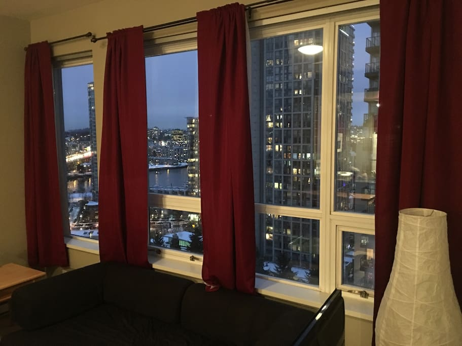 19 floor downtown with parking apartments for rent in for Columbia flooring canada