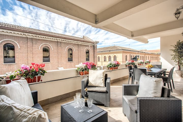 Spectacular and spacious apartment with terrace