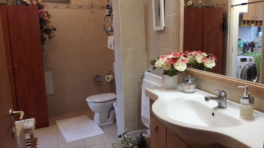 Comfortable and charming Room in Karmiel City
