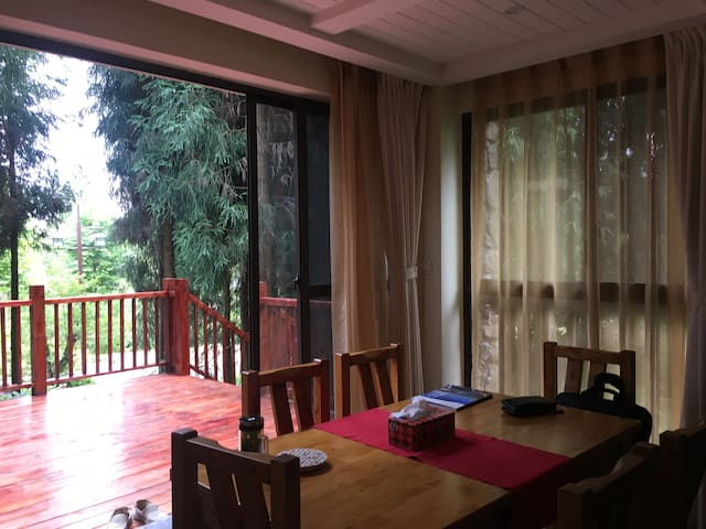 踏春,赏花,森呼吸! 峨嵋半山度假屋Mount emei mountain resort house