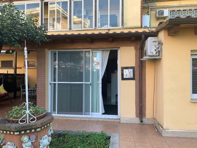 Appartamento giardino e box -Eur 2 minuti  Metro B