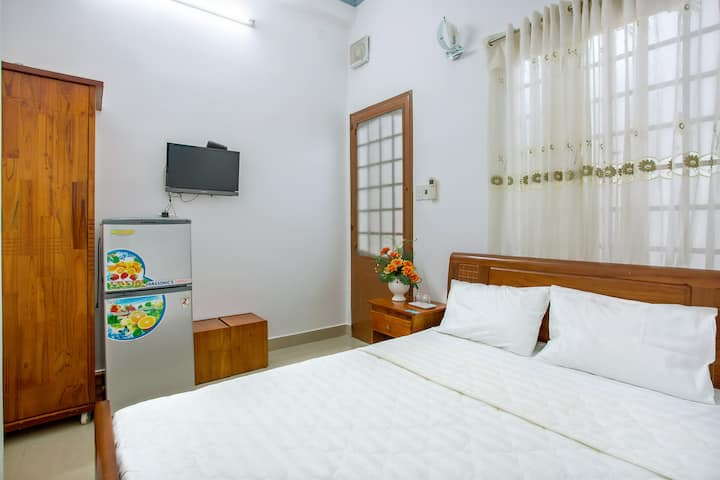 BiBi House - Near the Airport - Budget Double Room