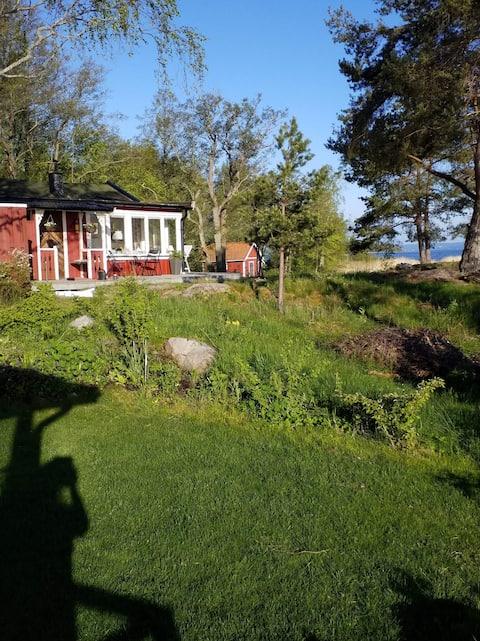 Verleidelijk strandhuis op het platteland van Zweden