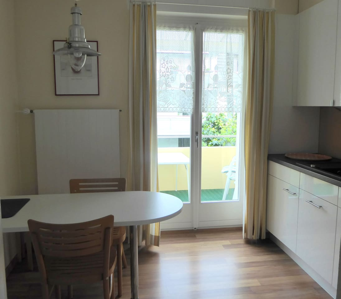Kitchen with Dining-table
