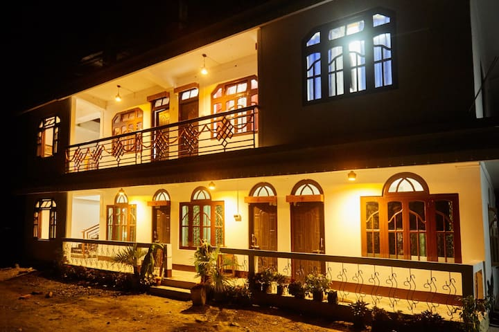 Luzangla Deluxe Home Stay