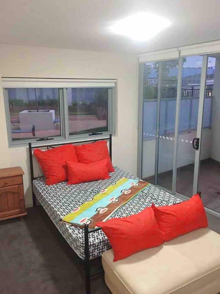 Master room with free carpark and close to city