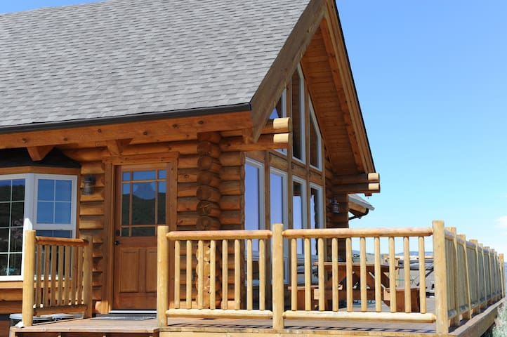 Log Home - Views of Madison Range! Hot Tub!