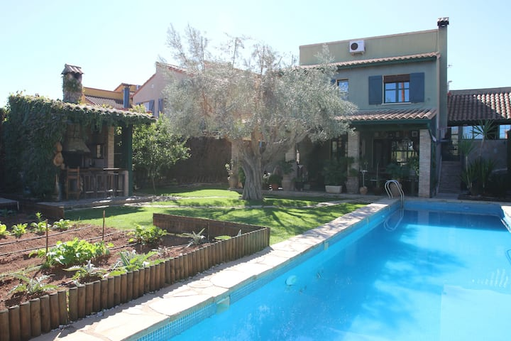 Magnificent house with SWIMMING POOL near VALENCIA