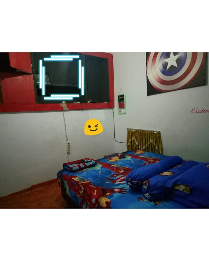 Comfortable and clean guest house,ready cars too