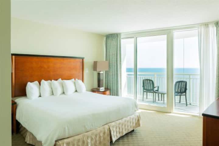 * Oceanfront 3BR/2BA Condo at Sandy Beach 1611*