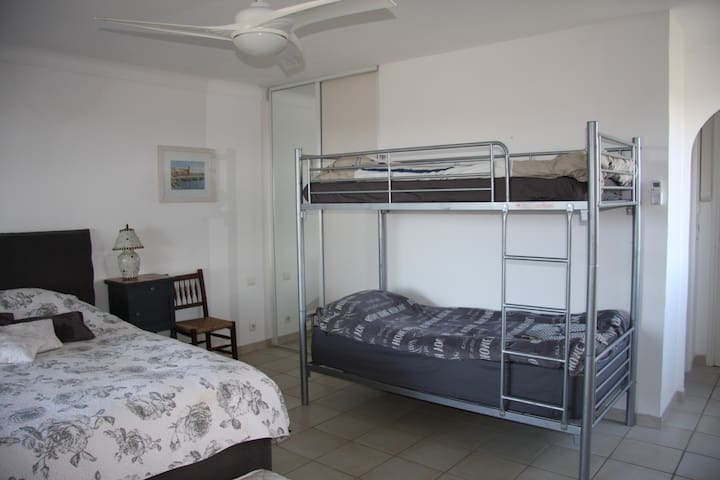 lit superposé /bunk bed
