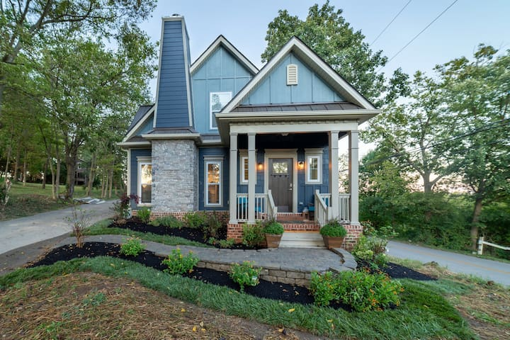 Brand New Country Cottage, 1 mile from Keeneland