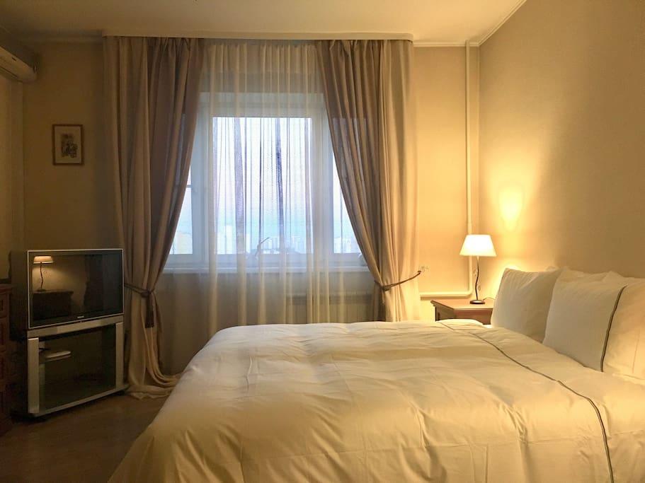 Double accommodation/Двуспальная кровать  180 cm х 200  cm