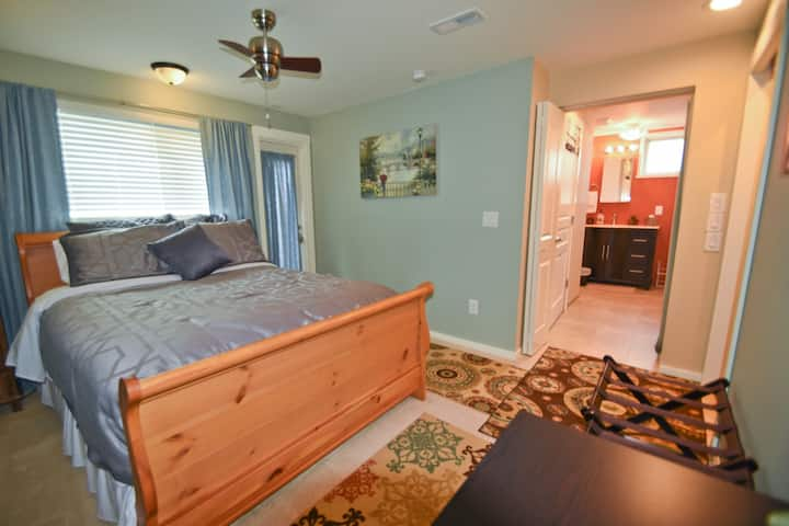 Fully Furnished Aptartment: Bothell/Seattle w A/C