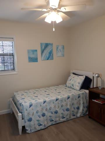 Third bedroom - Twin bed. Quiet fan.