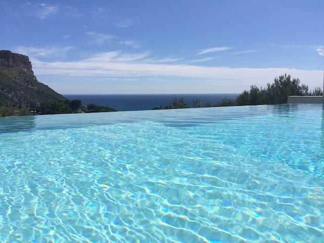 Chambre en terrasse piscine Cassis