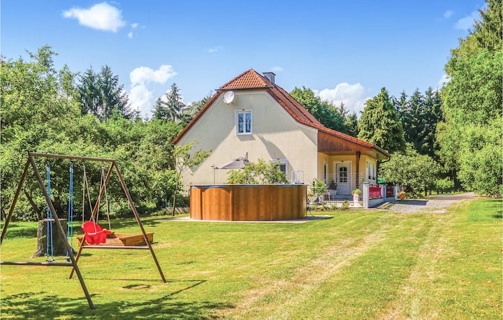 Amazing home in Loipersdorf-Kitzlan with Outdoor swimming pool, Outdoor swimming pool and 1 Bedrooms