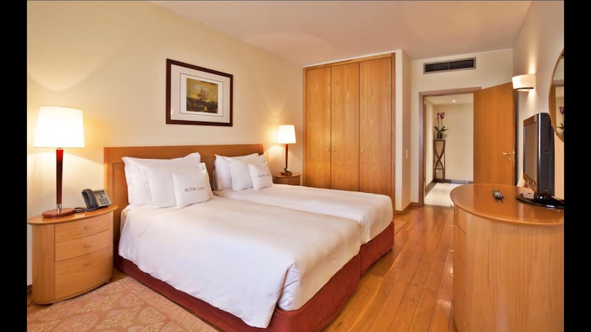 Stay in the heart of Lisbon- Altis Suites Hotel 4* - Lisboa - Apartment