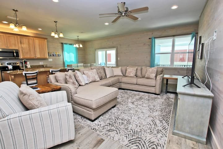 Romeo Beach L - Brand New Beach House Directly Across from the Gulf!