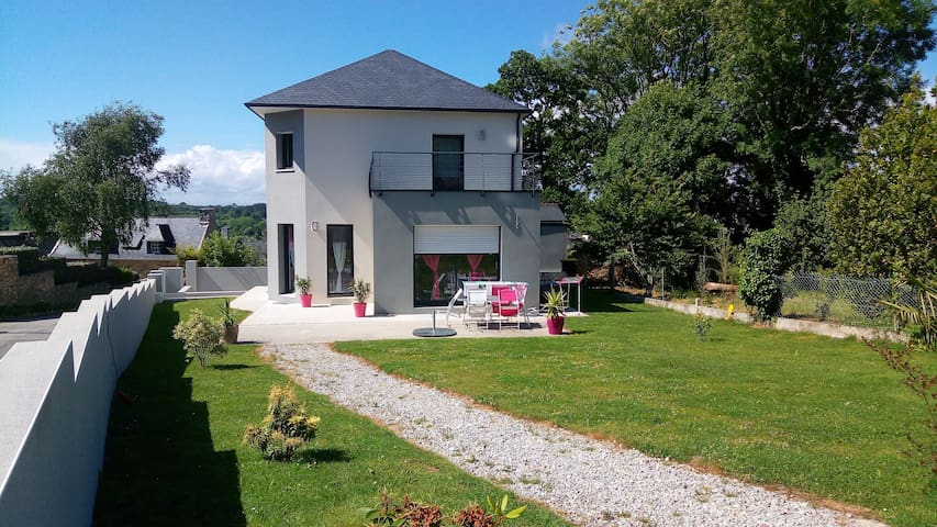 House fully-furnished Crozon Morgat