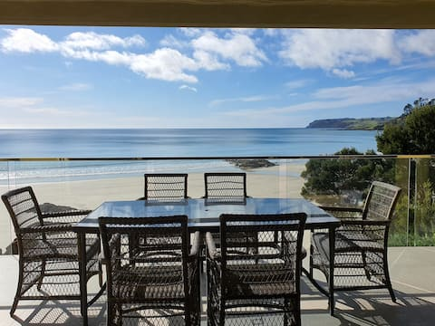 MAGIC BEACH VILLA  Absolute beachfront luxury