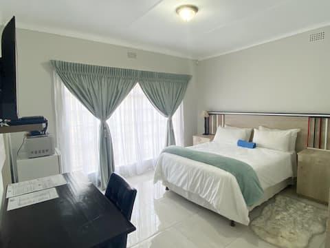 Ndzuti - Executive Leaf Room (2)