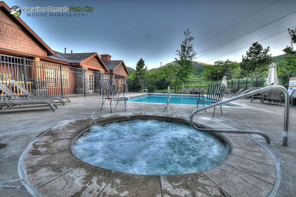 Fox Bay Community Hot Tub (ALL YEAR) & Pool (summer) - Park City Area, UT