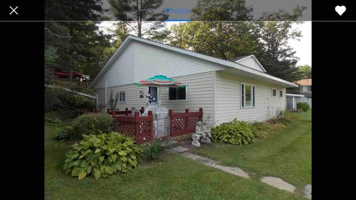Cozy & peaceful, lake front, pet friendly, cottage