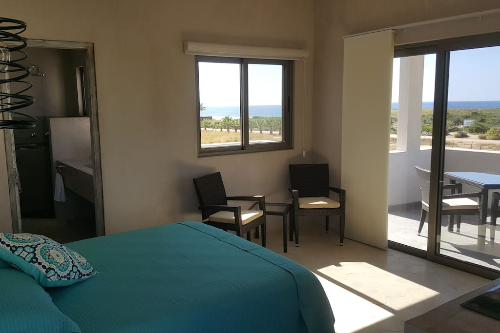 Ocean view villa-studio for 2 guests, KS bed, smartv, wifi and Netflix, A/C, beautiful and spacious bathroom, fully equipped kitchenette (electric stove, microwave, pots, coffee maker, etc), huge balcony with dining room and lounge, AMAZING VIEWS.