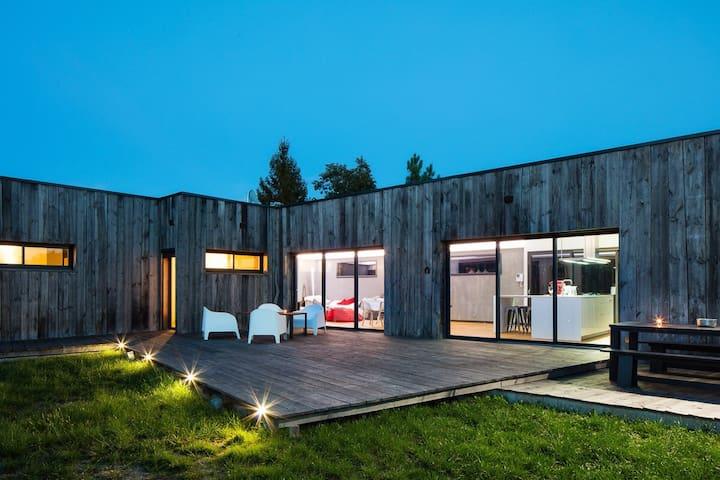 Maison d'architecte avec piscine - St-Jean d'Eyrault - Lepianka