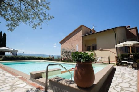 Beautiful villa with private garden and pool - Montaione