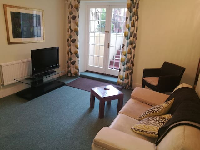 Spacious Apartment in Belmont Park Exeter