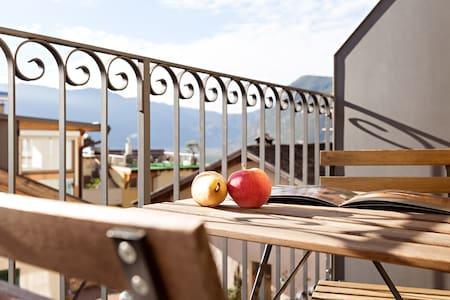 Neue Wohnung & historisches Gemäuer - Cortaccia