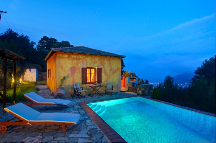 Villa Kentavros, Privacy and Stunning Views - Sporades - Villa