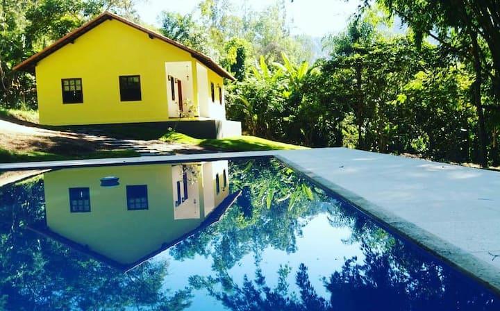 Casa com piscina na floresta. 6 hóspedes