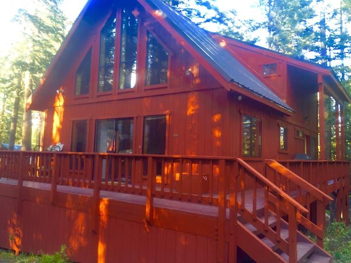Pet Friendly, cabin in Serene Lakes near Tahoe