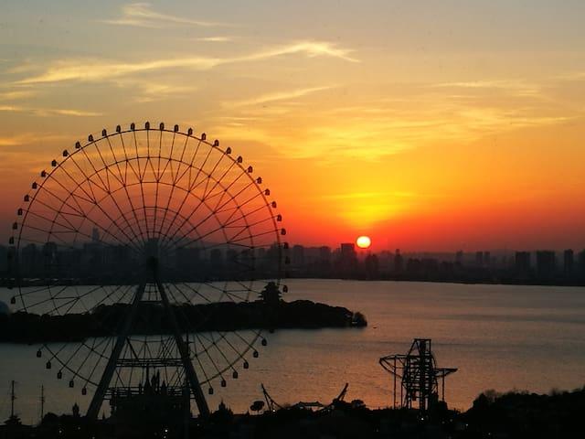 Best 最美湖景 120寸巨幕 酒店式套房  [旭日公寓] Room4 - Suzhou - Servicelägenhet