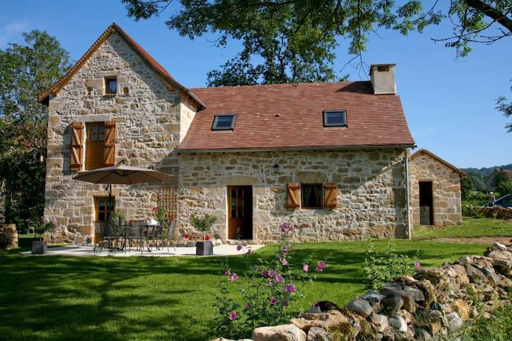 charming gîte, authentic, comfort, quiet, Quercy - Frontenac - Apartment-Hotel